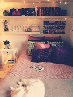 bed | estante | books | small | cute | organização