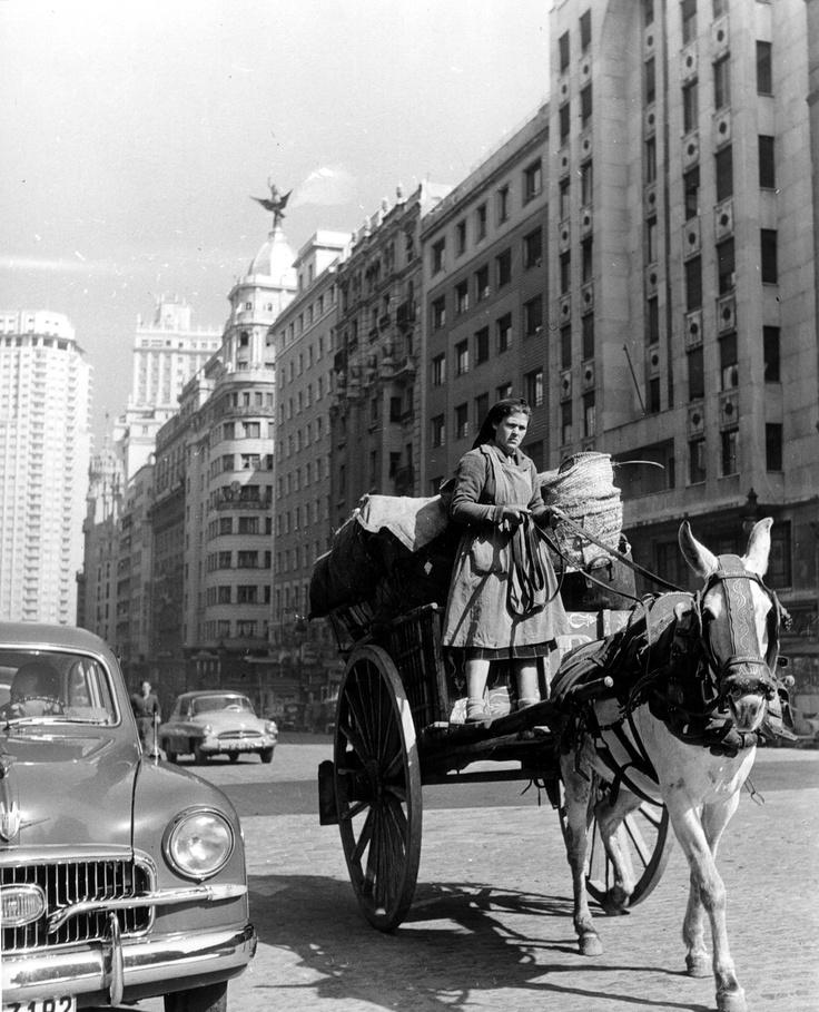 Gran Vía. Madrid, Spain.1941.