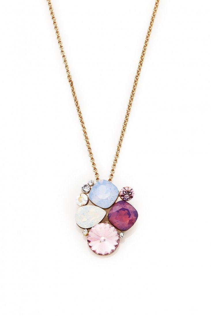 Subtelny naszyjnik pozłacany 24-karatowym złotem i ozdabiany kryształami Swarovski Crystals w idealnie dobranej kompozycji kolorystycznej.