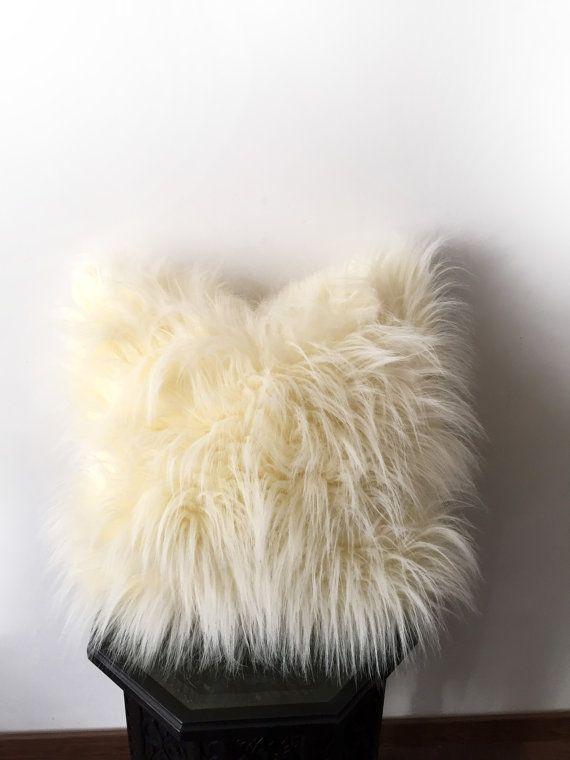 Faux Fur pillow, CREAM WHITE Shag pillow, Handmade Decorative pillows, Fluffy pillow, Cream plush pillow, Throw pillows, Shaggy cushion C1