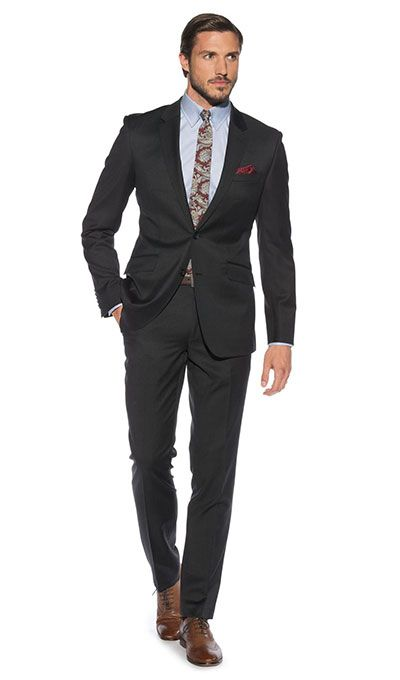 13 Top Style Tips for Grooms - Off the peg tailored suit | CHWV