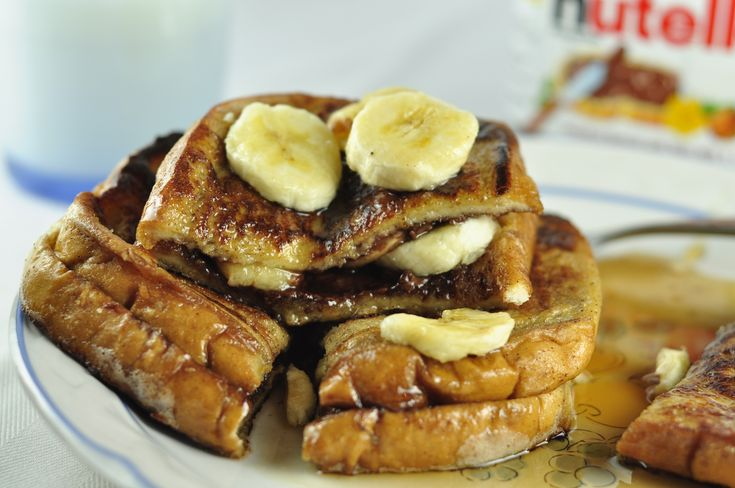 Banana and nutella stuffed french toast = yummers.