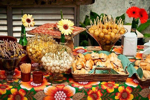Quem não gosta de uma festa de boteco?   Ela é descolada, divertida e versátil. Podemos adequar ao gosto geral onde agradamos a todos.   ...