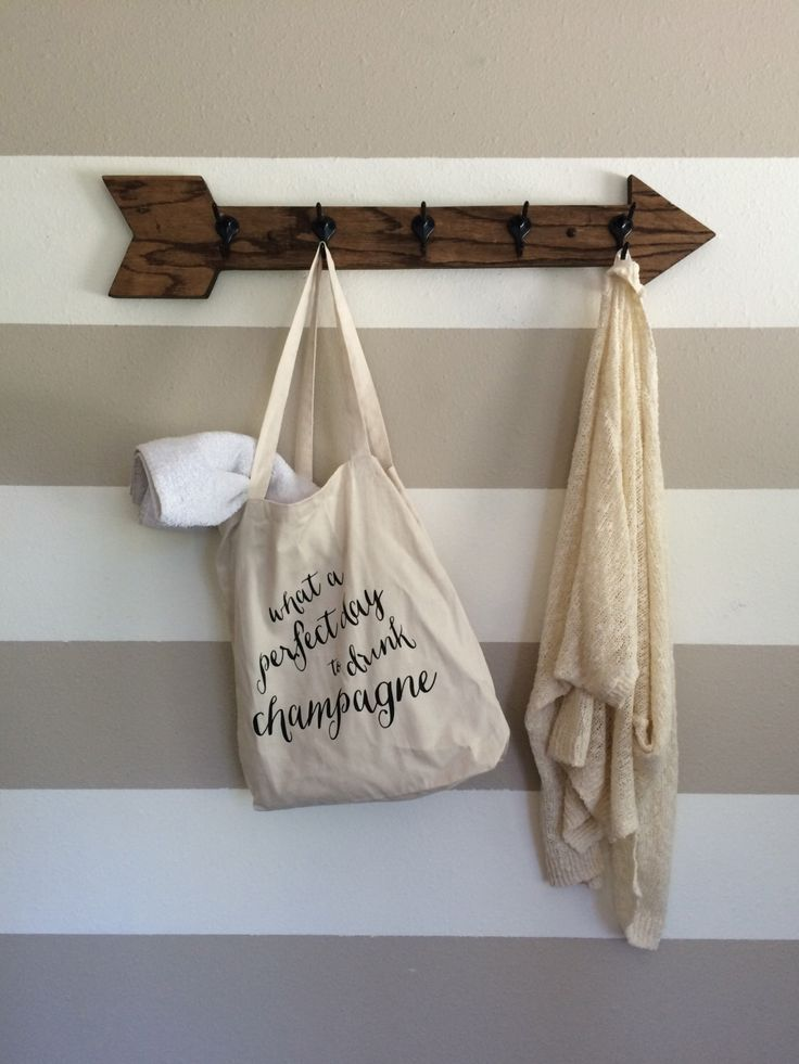 5 hook wooden arrow coat rack // towel rack by kayandedna on Etsy https://www.etsy.com/listing/244903473/5-hook-wooden-arrow-coat-rack-towel-rack