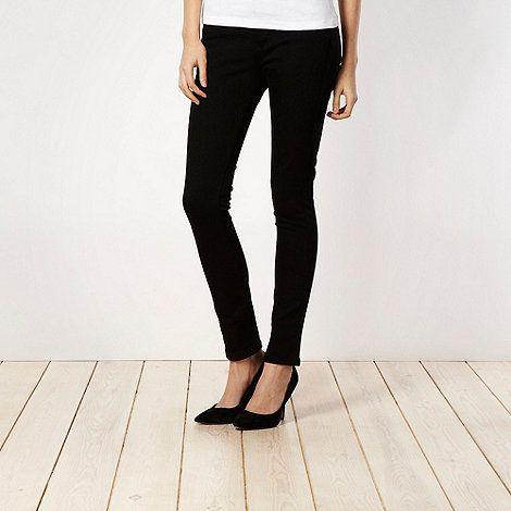 Shape enhancing black skinny jeans #DIY #FASHION