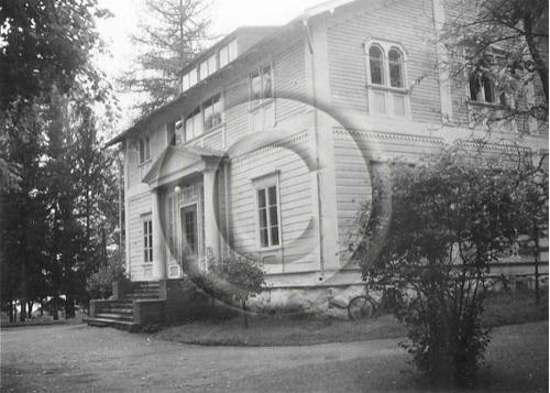 Evon metsäkoulun koulurakennus. // From Evo.