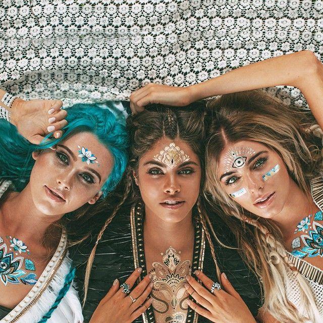 Are you following my beautiful @iamu_collective soul sisters @mimielashiry & @rochelle_fox? ✌️ Such amazing inspirational ladies! ⭐️ Photo by @chrissoll #iamucollective #iamu