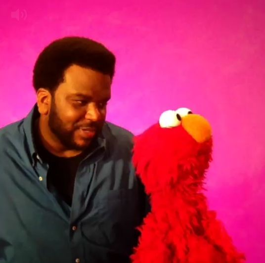 """DO IT FOR THE VINE: Elmo Performs CUTE Parody With Craig Robinson On """"Sesame Street""""- http://getmybuzzup.com/wp-content/uploads/2014/04/277250-thumb.png- http://getmybuzzup.com/vine-elmo-performs-cute-parody-craig-robinson-sesame-street/- By _YBF Get ready for some Saturday cuteness. Elmo and actor Craig Robinson recreated the popular trending viral video, """"Do It For The Vine."""" Check out the cute & funny video inside…  Our fave Sesame Street character, Elmo and Meet"""