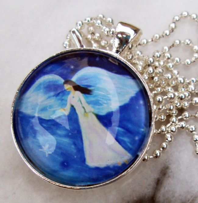 Enter to win: My Guardian Angel Pendant | http://www.dango.co.nz/s.php?u=ySnki7IN3597