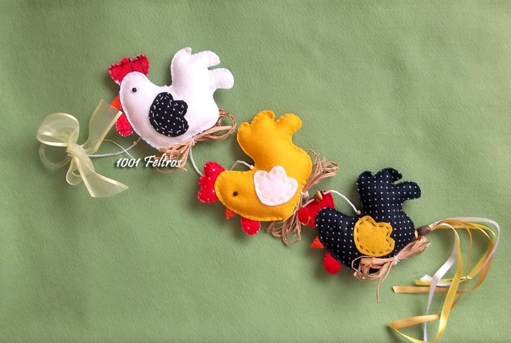 mobile+galinha.jpg (863×580) Felt Chicken (picture only)