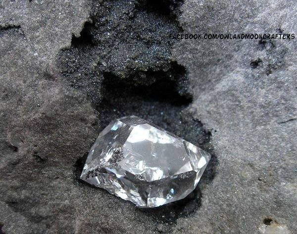 Herkimer diamonds are not really diamonds. They are doubly terminated quartz crystals that come out of host rock completely formed & look like they have been cut and polished like a diamond.