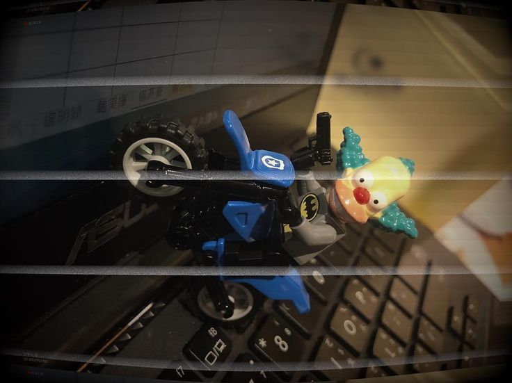Bank robber!!!bang bang!!#lego #legoworld #legosimpsons #legofigure #legoland #simpsons #batman #bricks #minifigure #toys #toystagram #toysphotography #toyslagram #toys4life #toysaremydrug #hobby #collection #collector #life