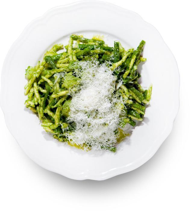 Трофие с песто, картофелем и фасолью (трофи аль песто кон Patate е Fagiolini)
