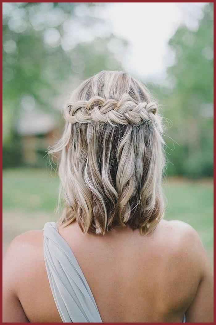 Fantastique The Bohemian Chevelure De Confirmation Choose The Best For You De Habi Coiffure Cheveux Mi Long Mariage Cheveux Mi Long Coiffure Cheveux Mi Long