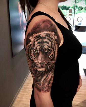 Tiger Tattoo by Vito @Vicente Tattoo Studio Hamburg
