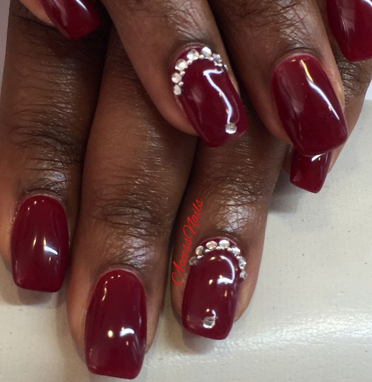 #AccessNails #EnghienLesBains Vernis semi-permanent red cherry et nail art strass