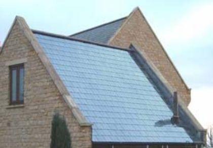 Toiture solaire thermique pour plancher chauffant solaire direct sec et mince