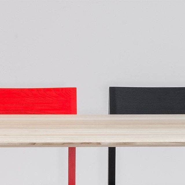 A striking interaction of color and shape. MEYER table and SCHULZ chair.