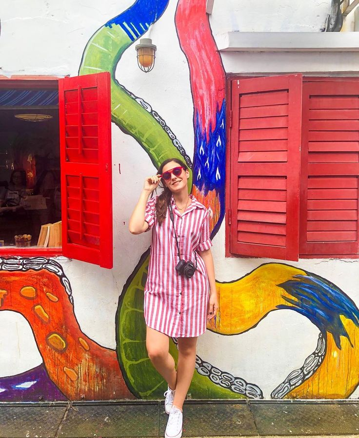 Haji Lane is a mix of color, funky vibes and graffiti love in the 'so serious… – theeverygirl