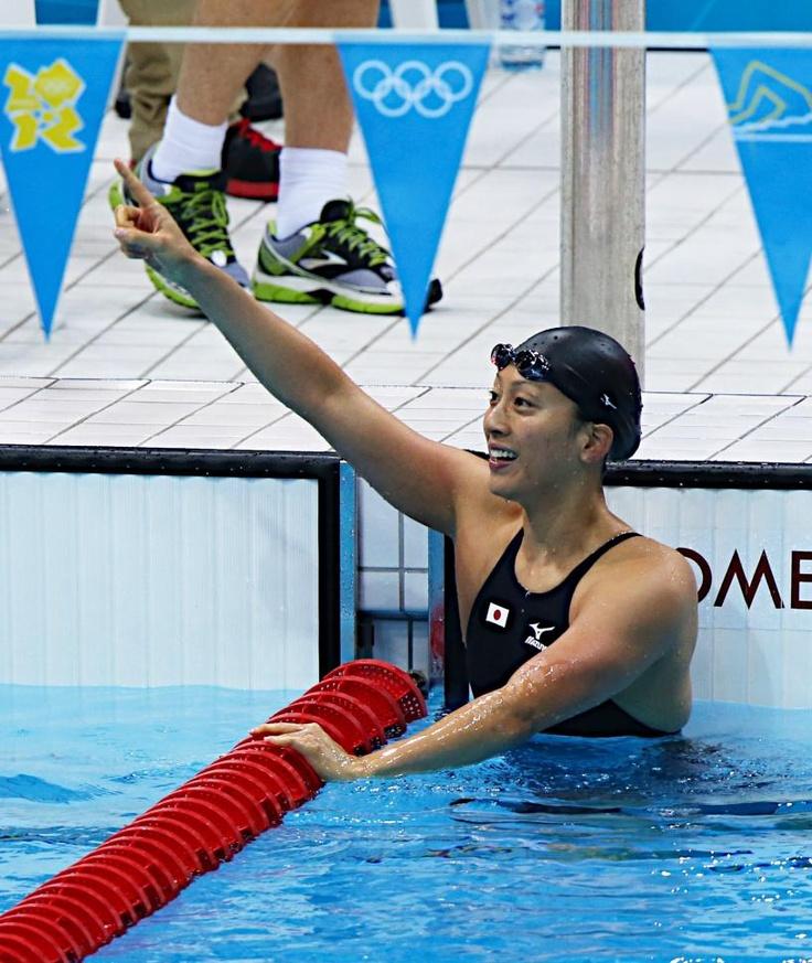 五輪・競泳 女子100メートル背泳ぎの決勝が行われ、寺川綾(写真)が3位に入り、銅メダルを獲得した。アテネ五輪以来2大会ぶり2度目の出場で、初のメダルを手にした