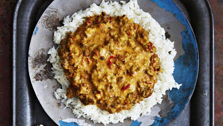 Indonesialaisen rendang-curryn kasvisversiossa naudanliha vaihtuu härkikseen.