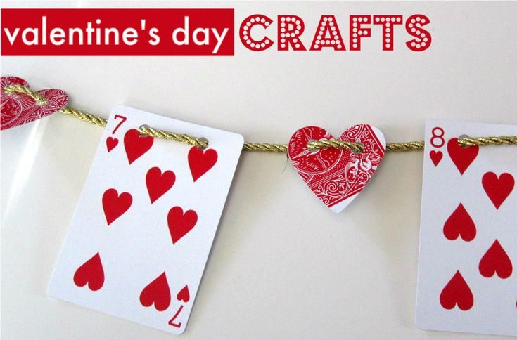 V-day garland of hearts.Valentine'S Day, Valentine Crafts, Crafts Ideas, Valentine Day Crafts, Banners Ideas, Playing Cards, Cards Crafts, Cut Out, Plays Cards