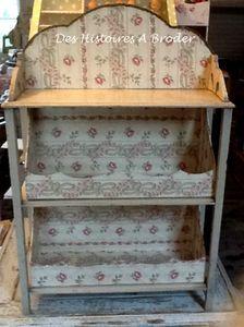 Petit meuble de S. Castellano (Des Histoires à Broder)