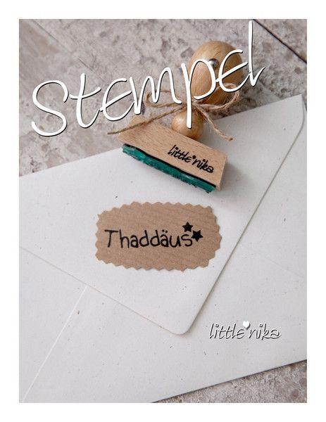 DaWanda - Dieser Namensstempel verschönert Grußkarten, Briefumschläge, bedruckt Schulsachen oder Bücher, eignet sich auch zum bedrucken von Stoff und vielem mehr.