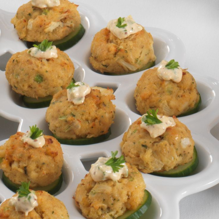 Mini Crabcake Sliders with Remoulade Sauce