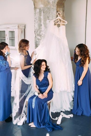 bridesmaids in blue dresses синие платья для подружек невесты