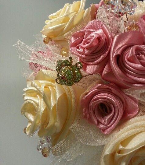 #WeddingBouquet Rose embellishment