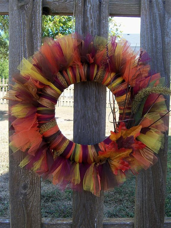 I love this unique idea for a tulle wreath. I can imagine using this same idea in a girl's room to match decor.