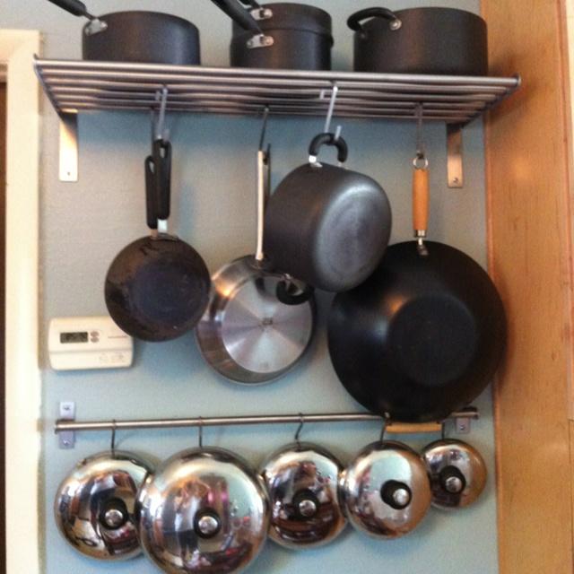 A couple of inexpensive Ikea racks & rods creates the ease ...