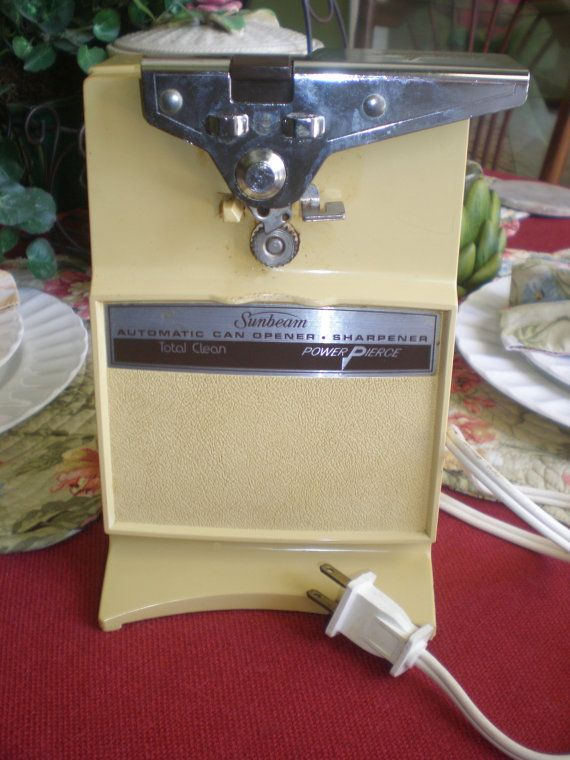 Vintage 1970's 1980s Sunbeam Automatic Electric by NeldaMaesCloset, $9.50 We had one just like it! ~*~
