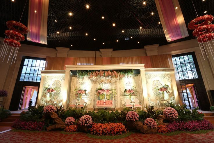 Modern Sundanese Wedding at Sampoerna Strategic Square - 494A7973