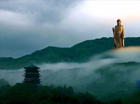 The Spring Temple Buddha (鲁山大佛) is a statue depicting Vairocana Buddha located in the Zhaocun township of Lushan County, Henan, China. Measuring 420', it is the tallest statue in the world. (The Statue of Liberty  is 151' tall.) #China #Spring_Temple_Buddha #Henan #Budhha