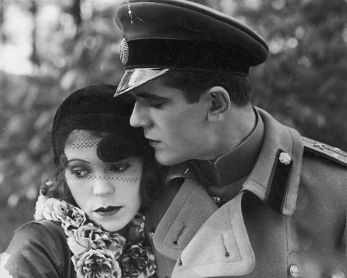 """Nora Ney i Adam Brodzisz w filmie """"Uroda życia"""" (1930)"""
