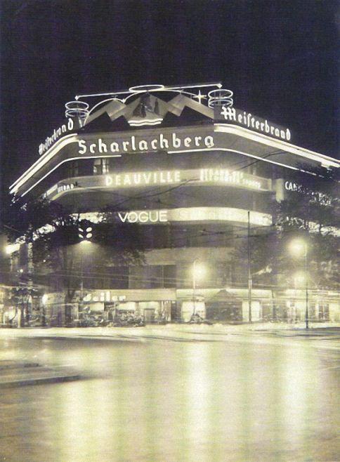 Uhlandstraße Ecke Kurfürstendamm. Leuchtreklame. Heute ist hier das Maison de France. Berlin, 1928. o.p.