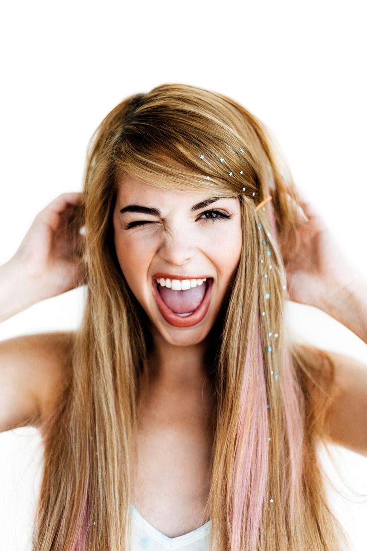 チャームシースで髪にキラキラをON☆ 夏フェスにおすすめのヘアスタイルのアイデア。髪型・アレンジ・カットの参考に☆