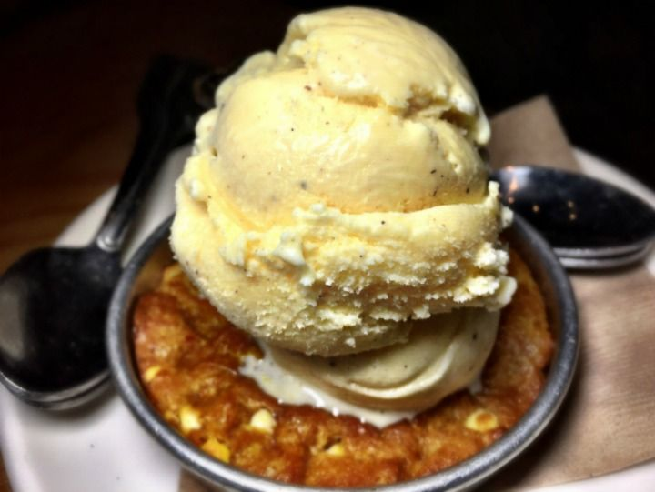 Pumpkin cream cheese pizookie