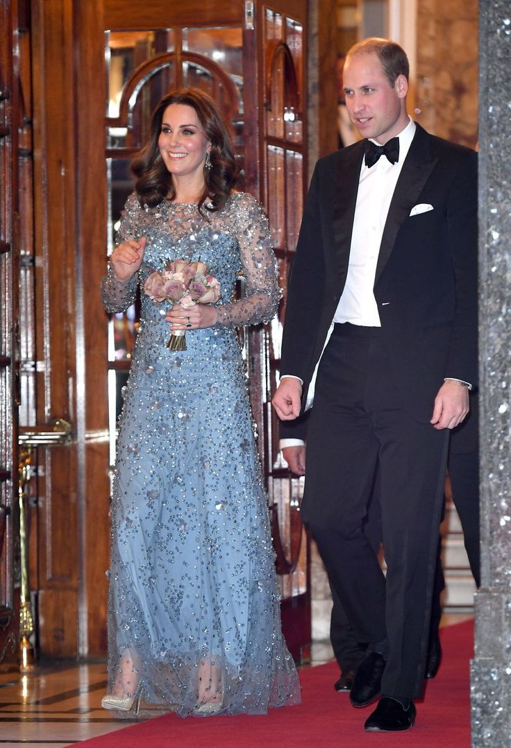 a7aaa27b78bdcc 42 Best Kate Middleton Pregnant Style Looks - Princess Kate Maternity  Fashion