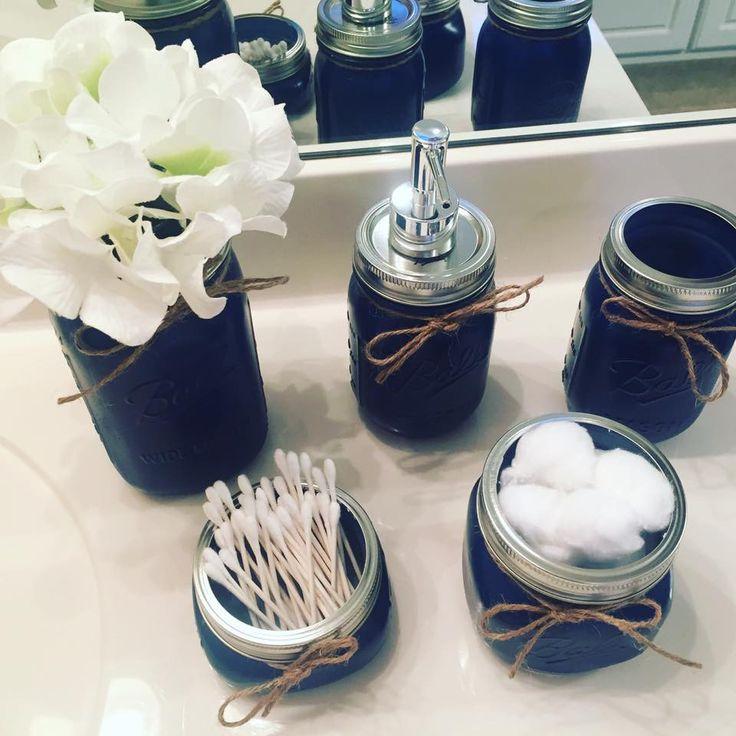 The 25+ best Navy blue bathroom decor ideas on Pinterest ...