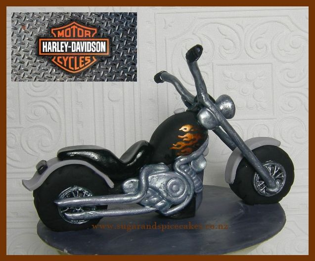 Harley Davidson Chopper Designer cakes, cupcakes and sugarcraft by Mel SugarMama in Auckland http://www.sugarandspicecakes.co.nz