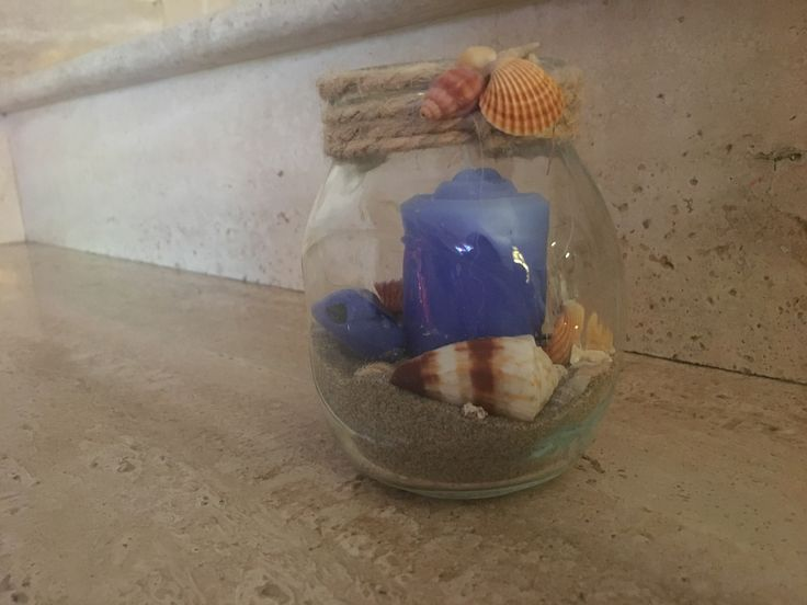 """""""Piccola spiaggia"""" Candela in barattolo riciclato decorato con spago,sabbia,conchiglie e sassi di vetro"""