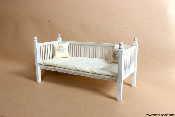 doll wooden daybed in 1 6 scale blythe barbie momoko. Black Bedroom Furniture Sets. Home Design Ideas