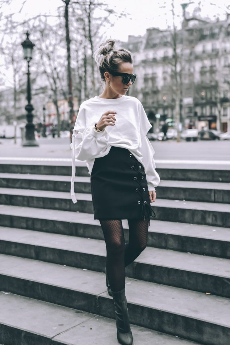 Incredibly LACE-UP SKIRT