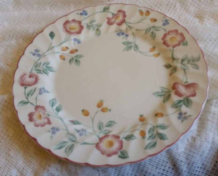 "Dinner Plate Fine English Tableware Made in Staffordshire England. Briar Rose - Measures 10"" wide. Excellent condition, no chips, cracks or crazing. 