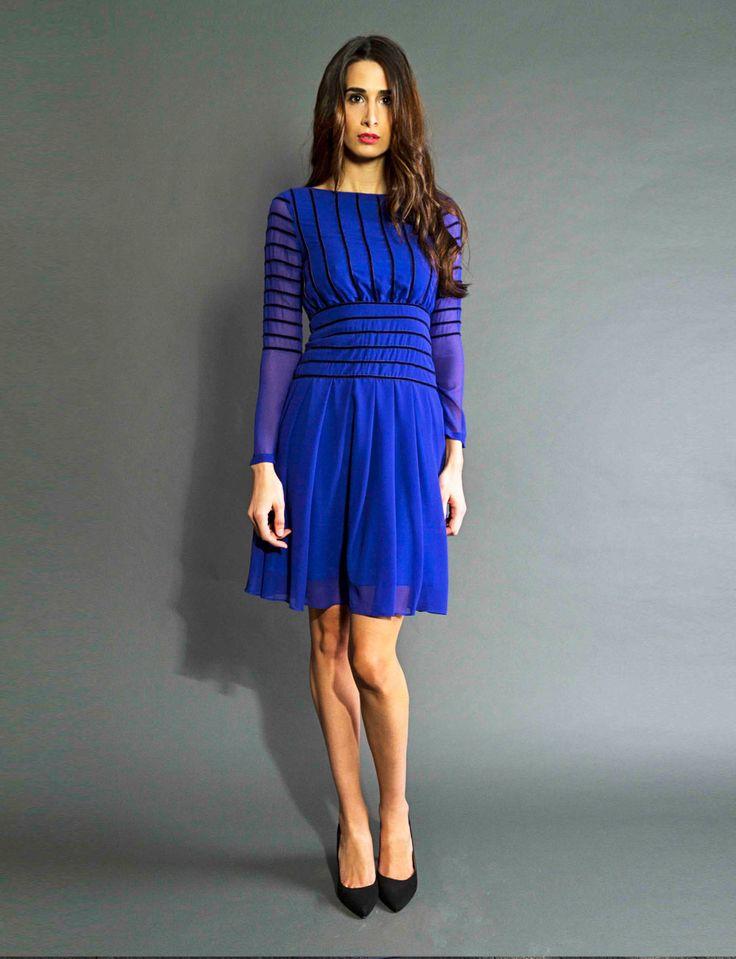 Vestido de fiesta azul eléctrico corto de gasa con manga larga