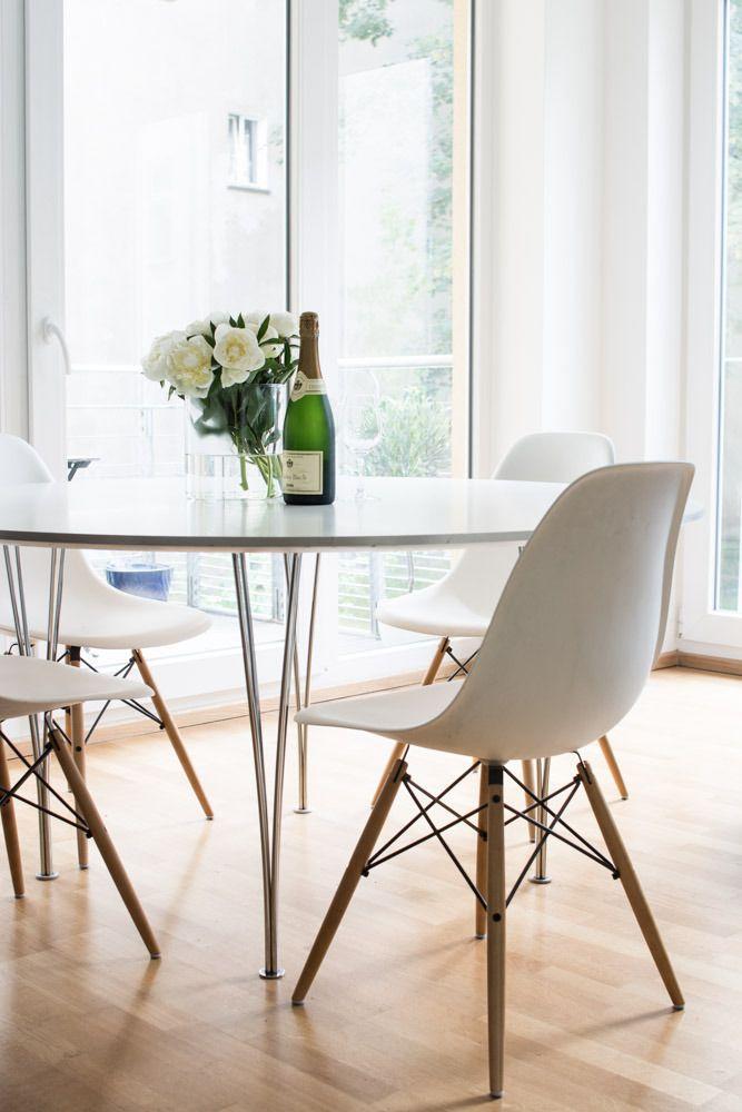 Our dining corner in Berlin | Eames DSW |Fritz Hansen | Mia Sophia