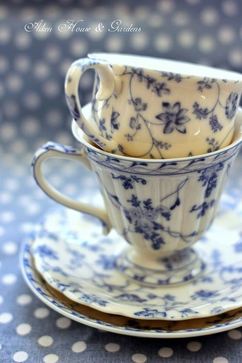 teatime.quenalbertini: Blue and white floral teacups and saucers